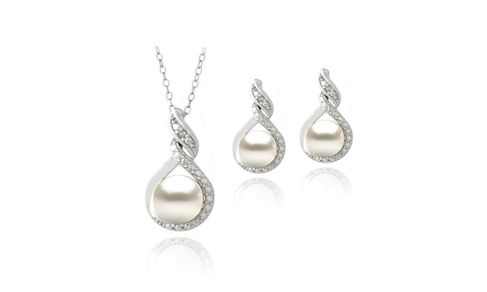 Freshwater Pearl and Diamond Loop Twist Necklace
