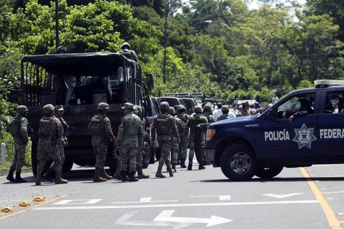 Image result for Fuerzas federales 'cierran' la frontera a migrantes