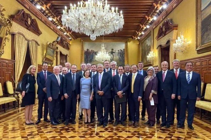 Prometieron empresarios invertir en México.- AMLO
