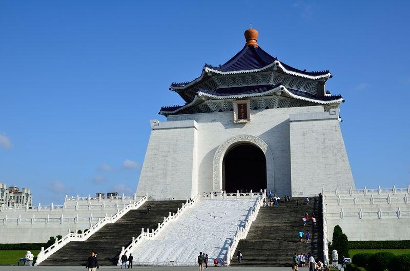 臺灣3大観光名所!臺北・中正紀念堂のライトアップが幻想的で美しい! | 臺灣 | トラベルjp<たびねす>