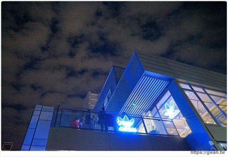 20171126215043 96 - 顛倒籃球場、三片葉空中花園、藍色電話亭,IG打卡新景點