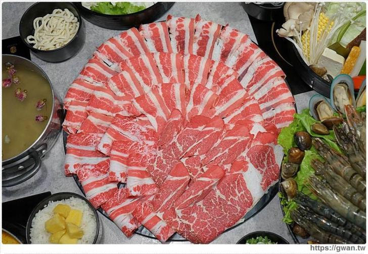 20180902020117 65 - 熱血採訪   宇良食巨無霸肉盤+浮誇手臂蝦,無霸三人套餐超值份量海陸通吃