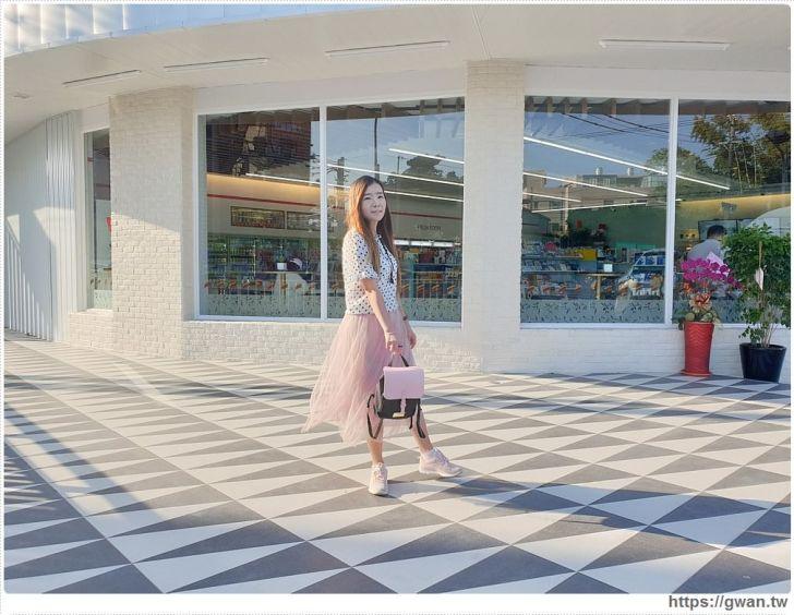 20191018210759 32 - 台中最新7-ELEVEN特色門市,純白簡約美得像咖啡廳的保雅門市