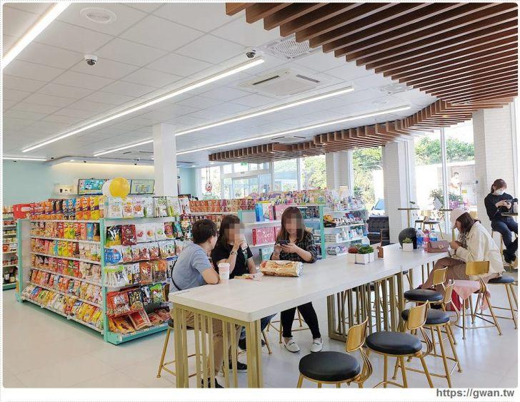 20191018210803 47 - 台中最新7-ELEVEN特色門市,純白簡約美得像咖啡廳的保雅門市