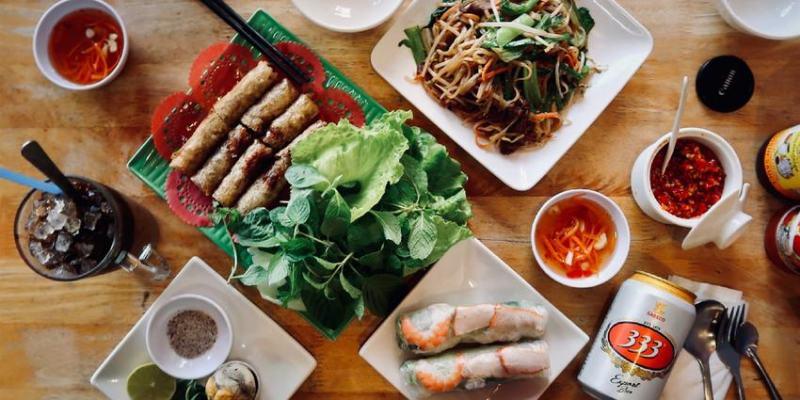 【桃園】中壢鳴心越南牛肉河粉,很多養眼辣妹的越南小吃店