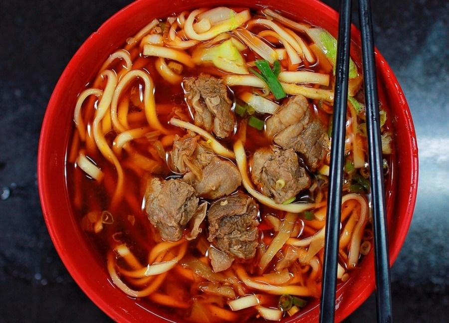 新竹牛肉麵美食/竹東莊記牛肉麵,一天可賣出上千碗的牛肉麵,你吃過了嗎?
