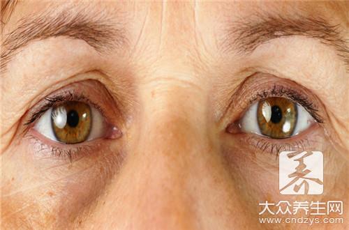 眼皮癢紅腫脫皮起褶皺怎麼回事? - 康途健康百科