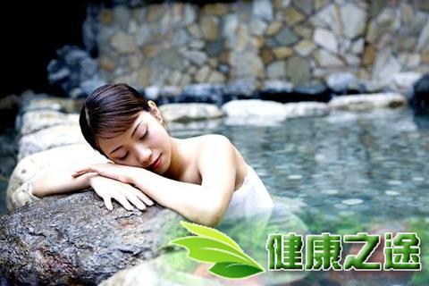 冬天泡溫泉好不好? 換個方式洗澡竟可拔毒瀉火 - 康途健康百科