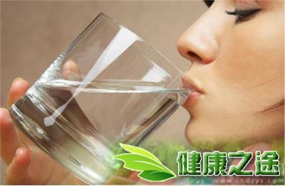 喉嚨發炎喝白開水有用嗎 - 康途健康百科