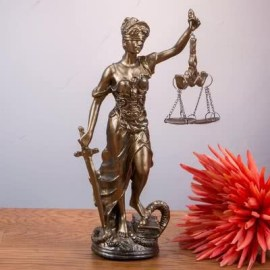 Avukat Olacak Arkadaşa Hediye Adalet Terazisi Heykeli