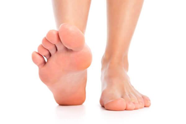 你知道腳臭味有幾種嗎?用這5招讓你不必再擔心要在眾人面前脫鞋了 | Heho健康
