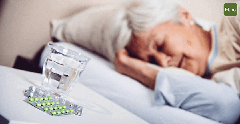 為什麼老人家喜歡吃安眠藥?關於睡眠障礙的大小事 | Heho健康