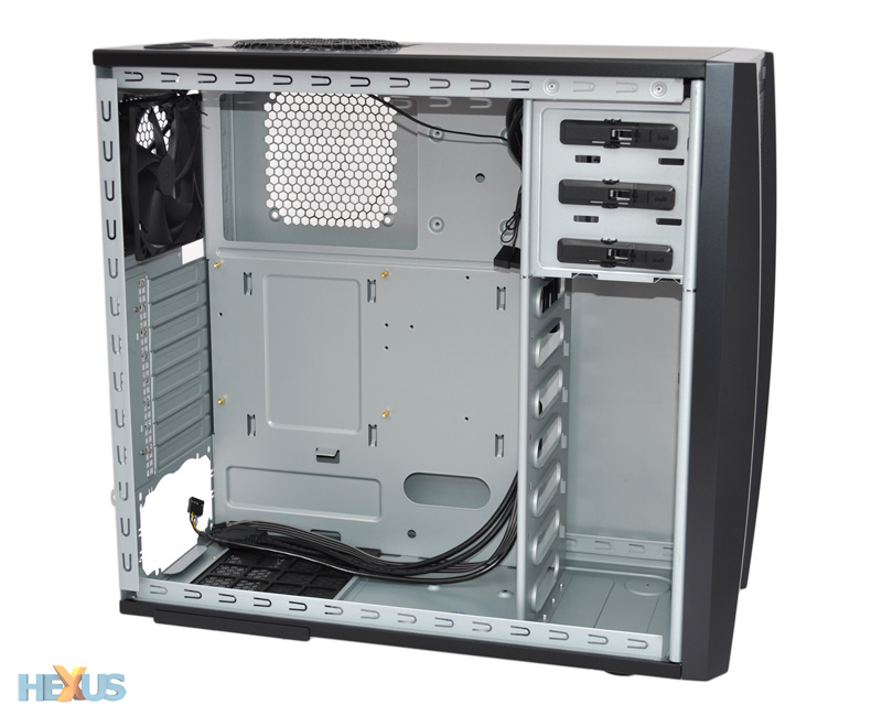 Review Antec Three Hundred Two