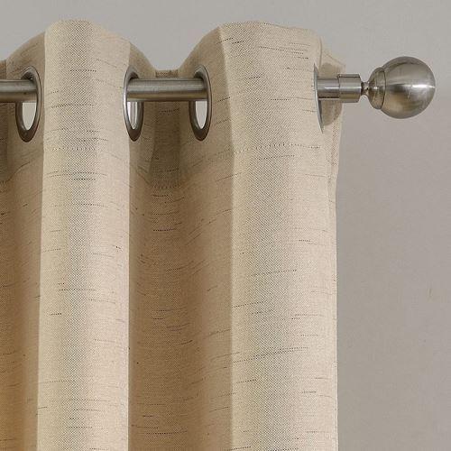 rideau occultant en lin beige pour chambre a coucher simple moderne