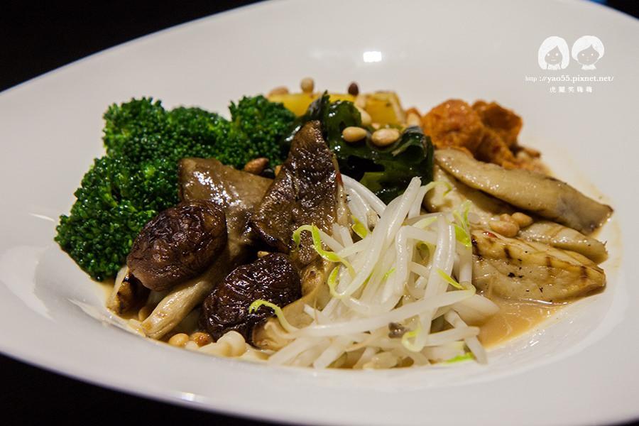 【美食】高雄|創意蔬食這樣吃!捷絲旅DoubleVeggie,享受雙倍的美味
