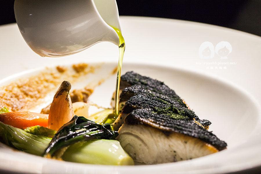 【美食】高雄|愛河畔迎新春!安多尼歐,充滿浪漫情懷的料理饗宴