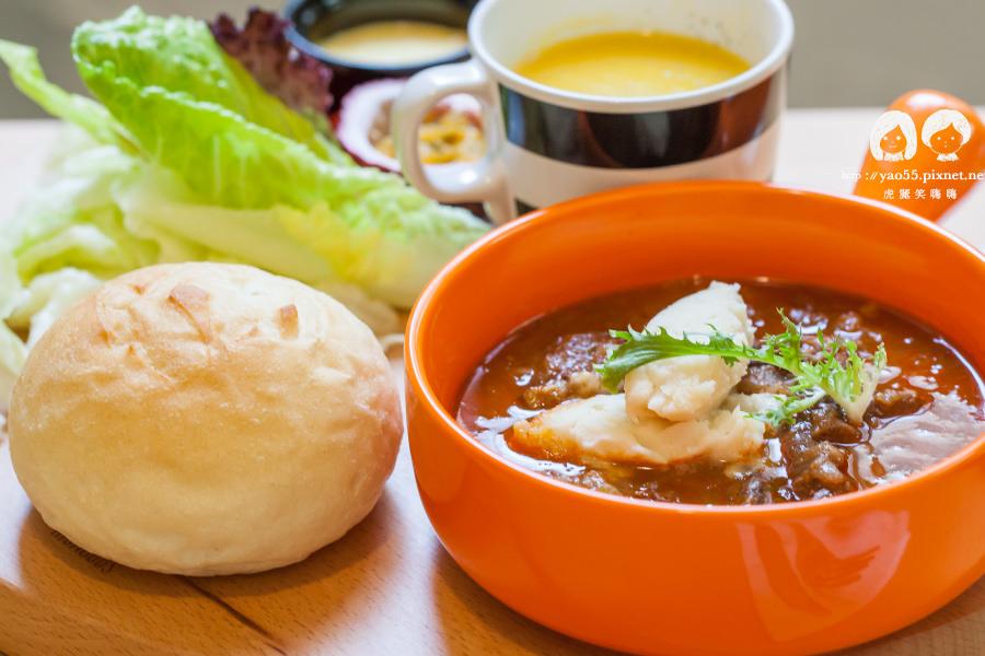 【美食】高雄|浪漫早午餐!Merci餐酒館,豐富美味的紅酒燉牛肉