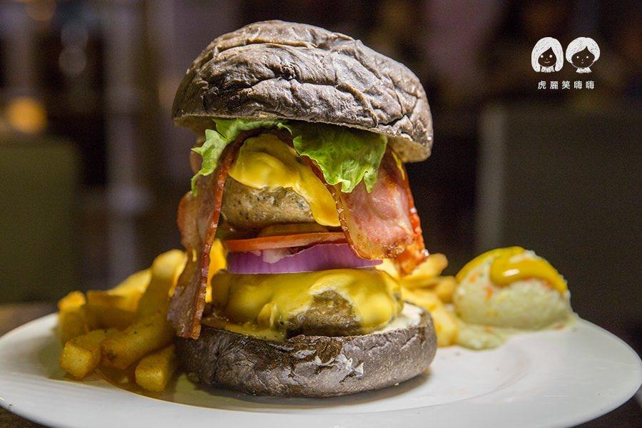 布雷克漢堡(高雄美食 左營區)火山一樣的雙倍份量,約會就吃這個吧