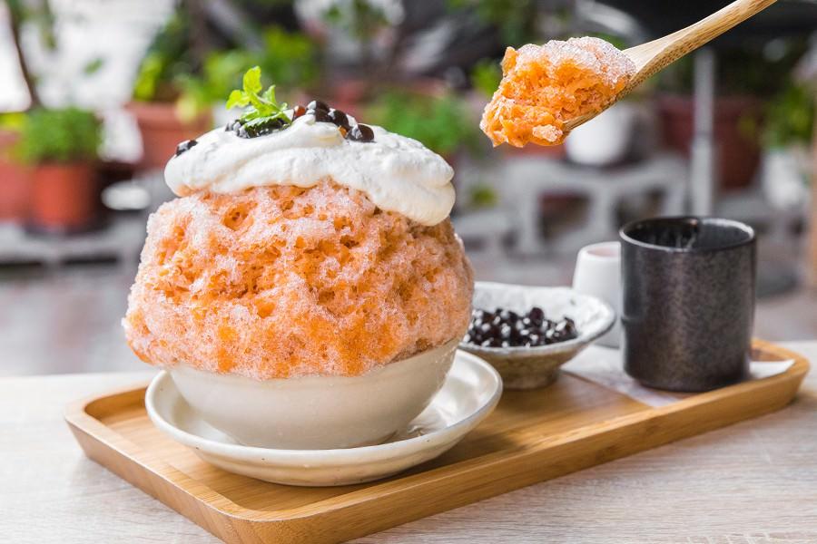 冰屋(高雄)療癒新口味!泰式奶茶刨冰加珍珠,還有酸酸甜甜的赤富士 - 虎麗笑嗨嗨