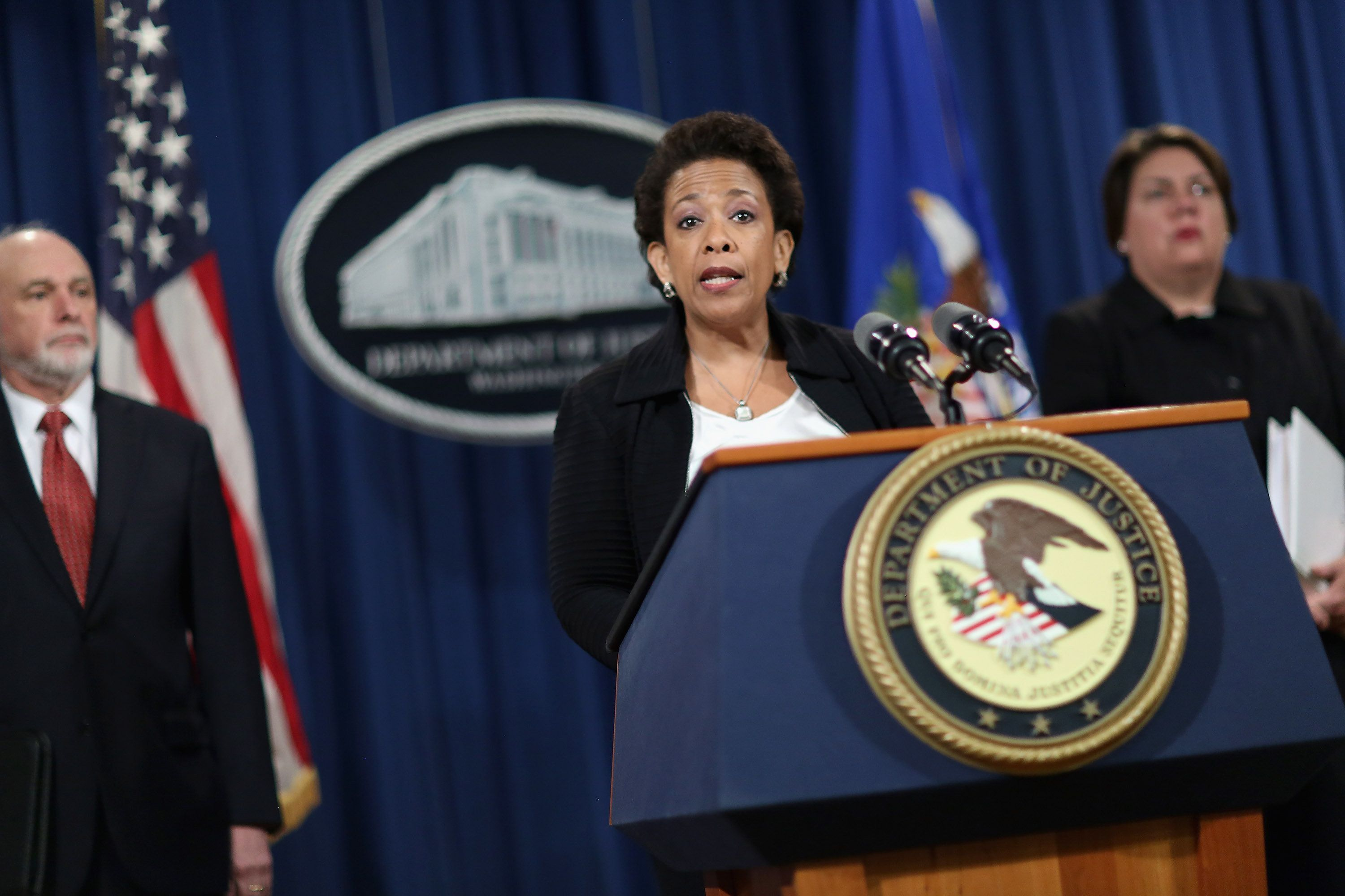 "<span class='image-component__caption' itemprop=""caption"">Attorney General Loretta Lynch</span>"