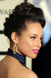 alicia keys' head-turning
