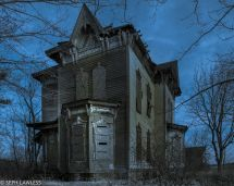 Real Haunted Houses America