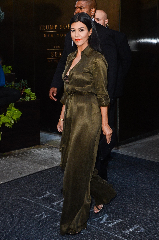 Kourtney Kardashian Poses Nude Vanity Fair