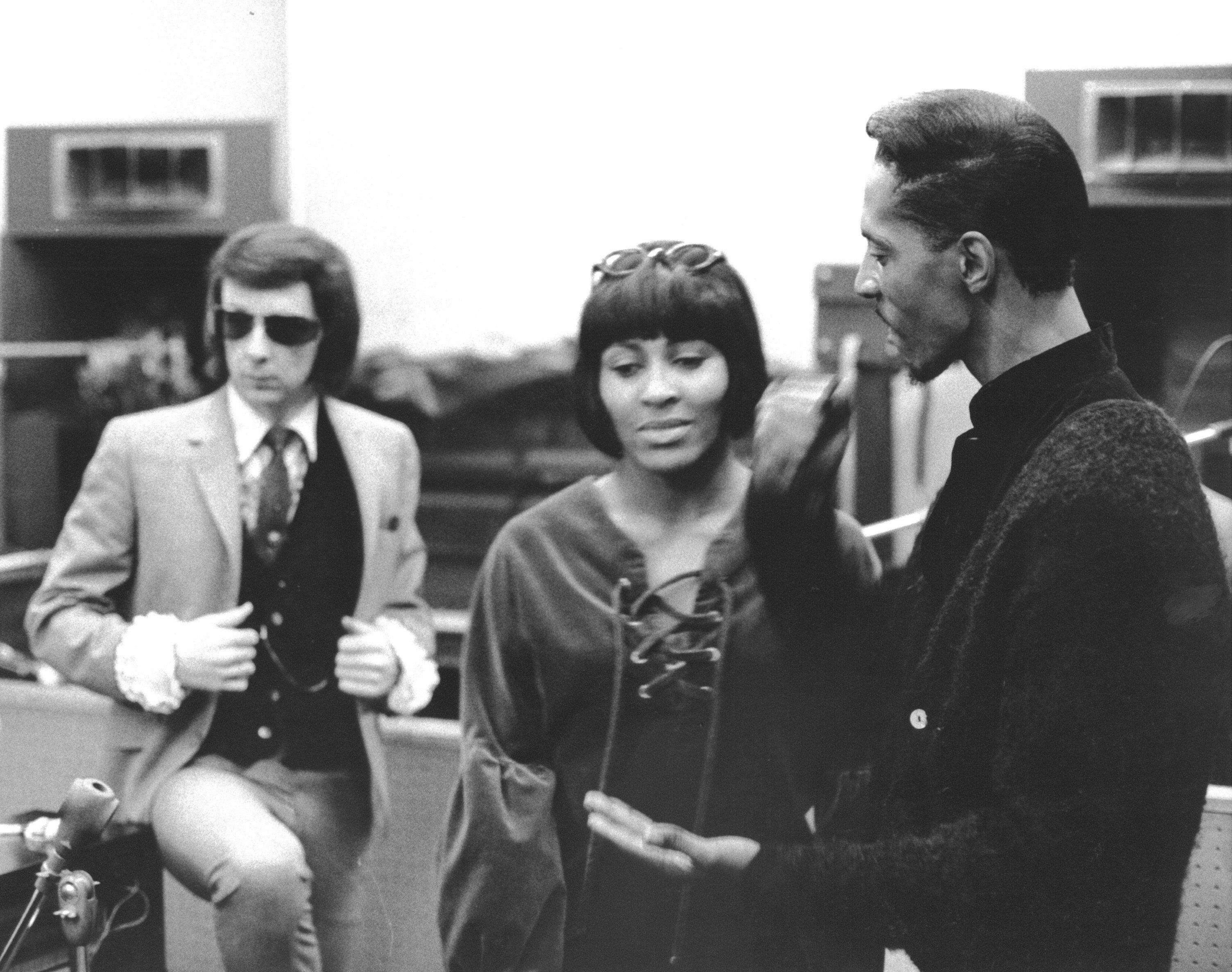 Spector stands behind Ike and Tina Turner atGold Star Studios in Los Angeles in 1966.