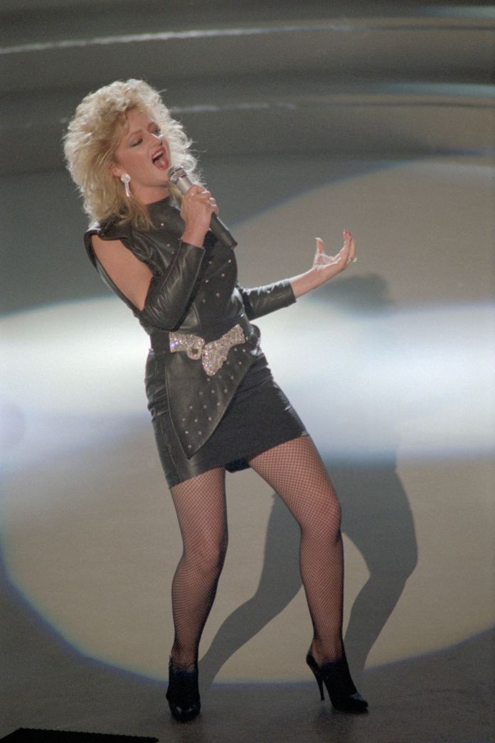 Bonnie Tyler Will Sing Her Hit 'Total Eclipse of the Heart' During The Eclipse Bonnie Tyler Will Sing Her Hit 'Total Eclipse of the Heart' During The Eclipse 599483c72200002d001a64c1