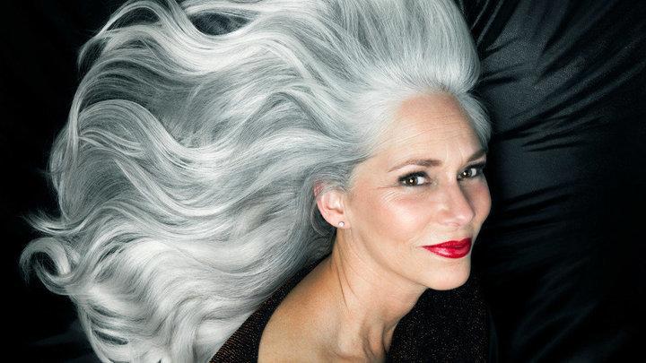 Diese Zehn Bilder Zeigen Wie Schn Graues Haar Ist