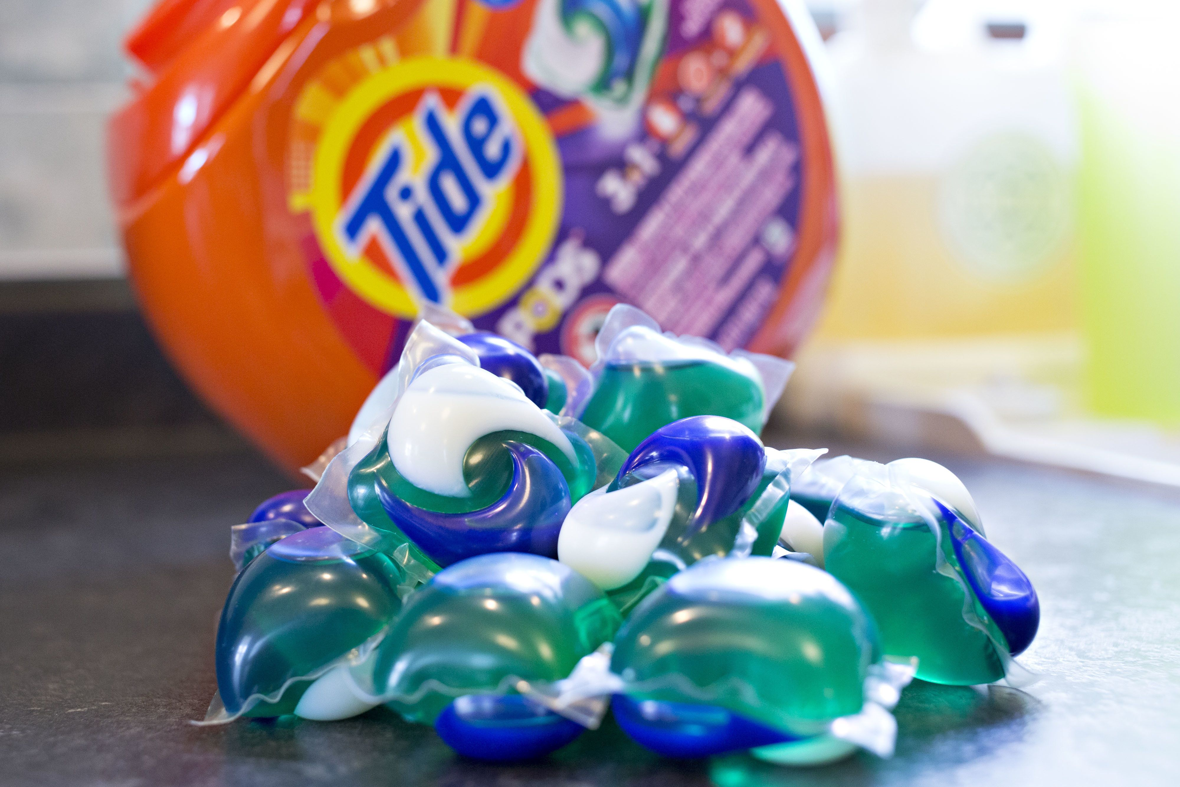 'People Eating Tide Pods But Won't Eat Those Stringy Things On Bananas' | HuffPost