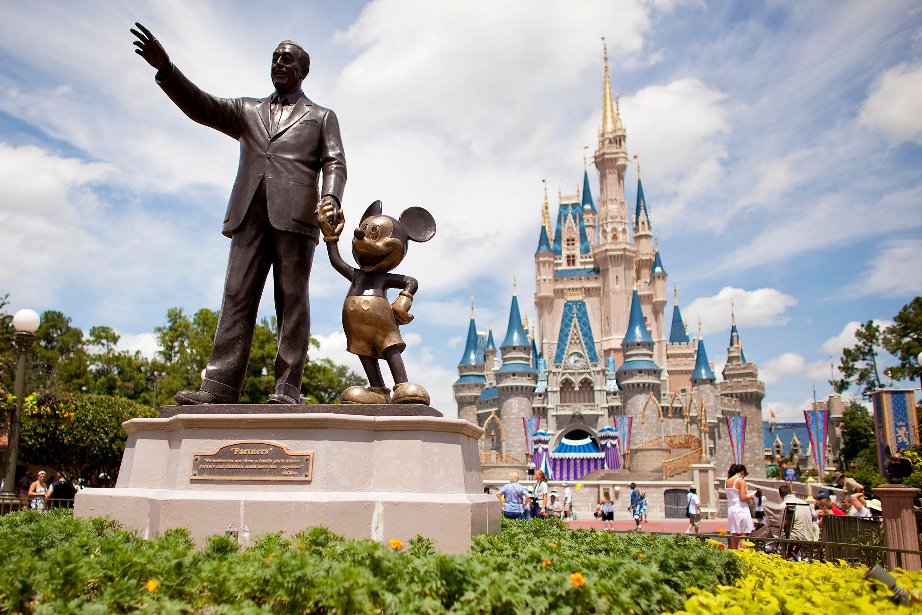 Disney Vacation Expensive Huffpost