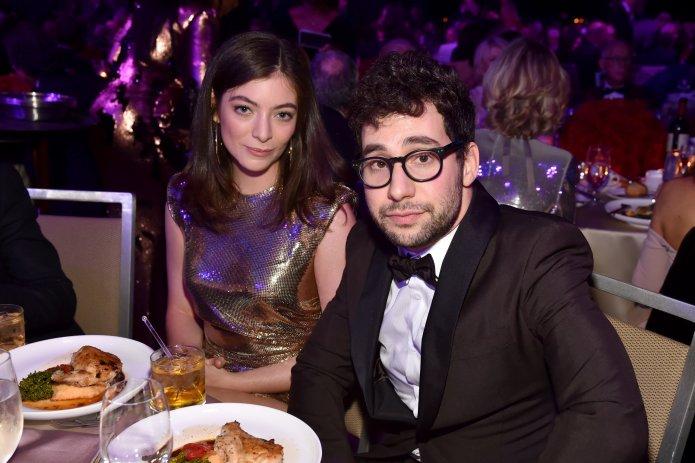 Lorde Shuts Down Rumors She's Dating Jack Antonoff, Lena Dunham's Ex Lorde Shuts Down Rumors She's Dating Jack Antonoff, Lena Dunham's Ex 5a90671c2000008806eafd0f