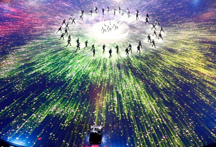 Stunning Photos Capture The 2018 Olympics' Closing Ceremony In All Its Glory Stunning Photos Capture The 2018 Olympics' Closing Ceremony In All Its Glory 5a92c3f61e000046057acbdf