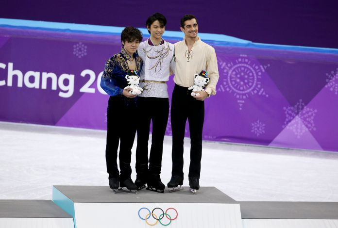Figure Skater Yuzuru Hanyu Strikes Most Extra Pose For Olympic Group Selfie Figure Skater Yuzuru Hanyu Strikes Most Extra Pose For Olympic Group Selfie 5a942630210000a00760255b