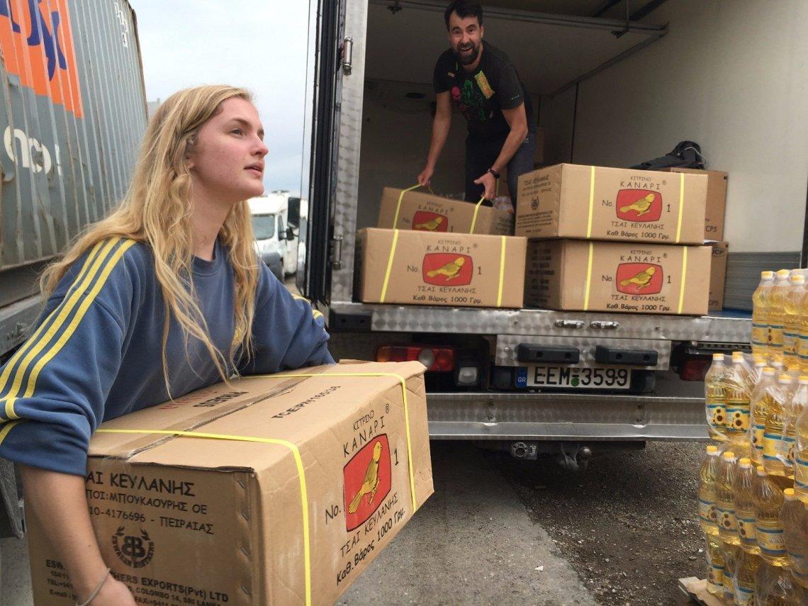 How Volunteers Are Helping Muslim Refugees Break Fast During Ramadan