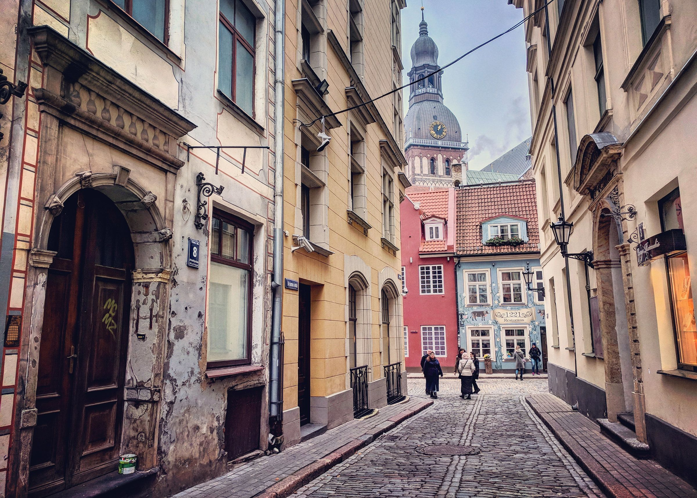 """<a href=""""https://www.lonelyplanet.com/lithuania/vilnius/travel-tips-and-articles/reasons-to-visit-vilnius-8-things-to-do-in-l"""