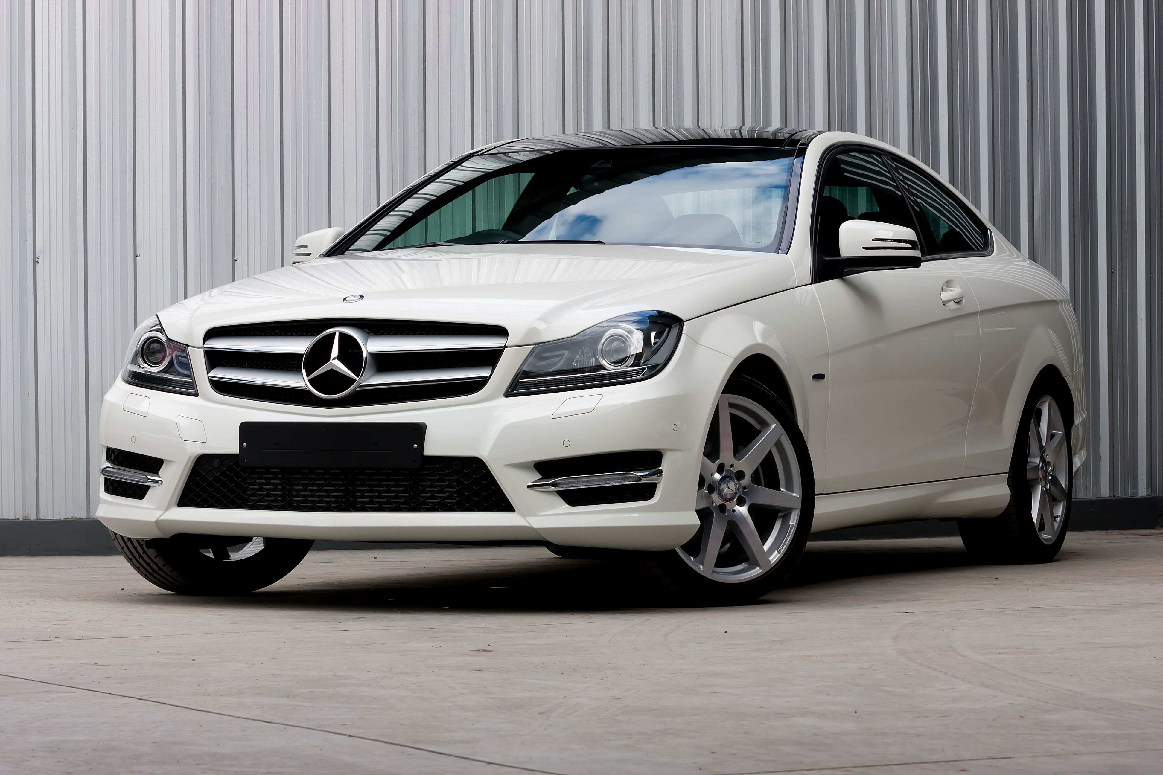 The Mercedes-Benz Collection requires a start-up fee of $495 in addition to the monthly membership fee.