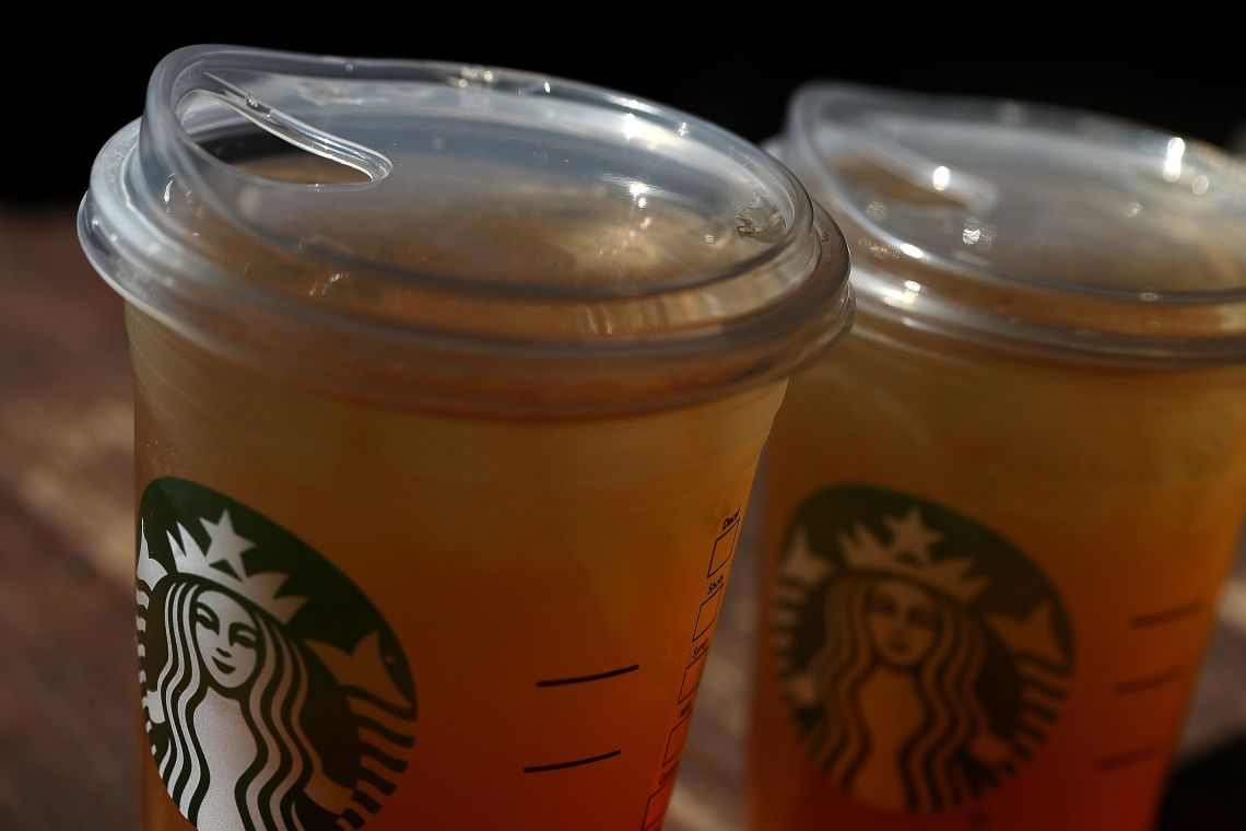 Starbucks has already replaced many of its iced beverage containers (which previously included lids for straws) with these si