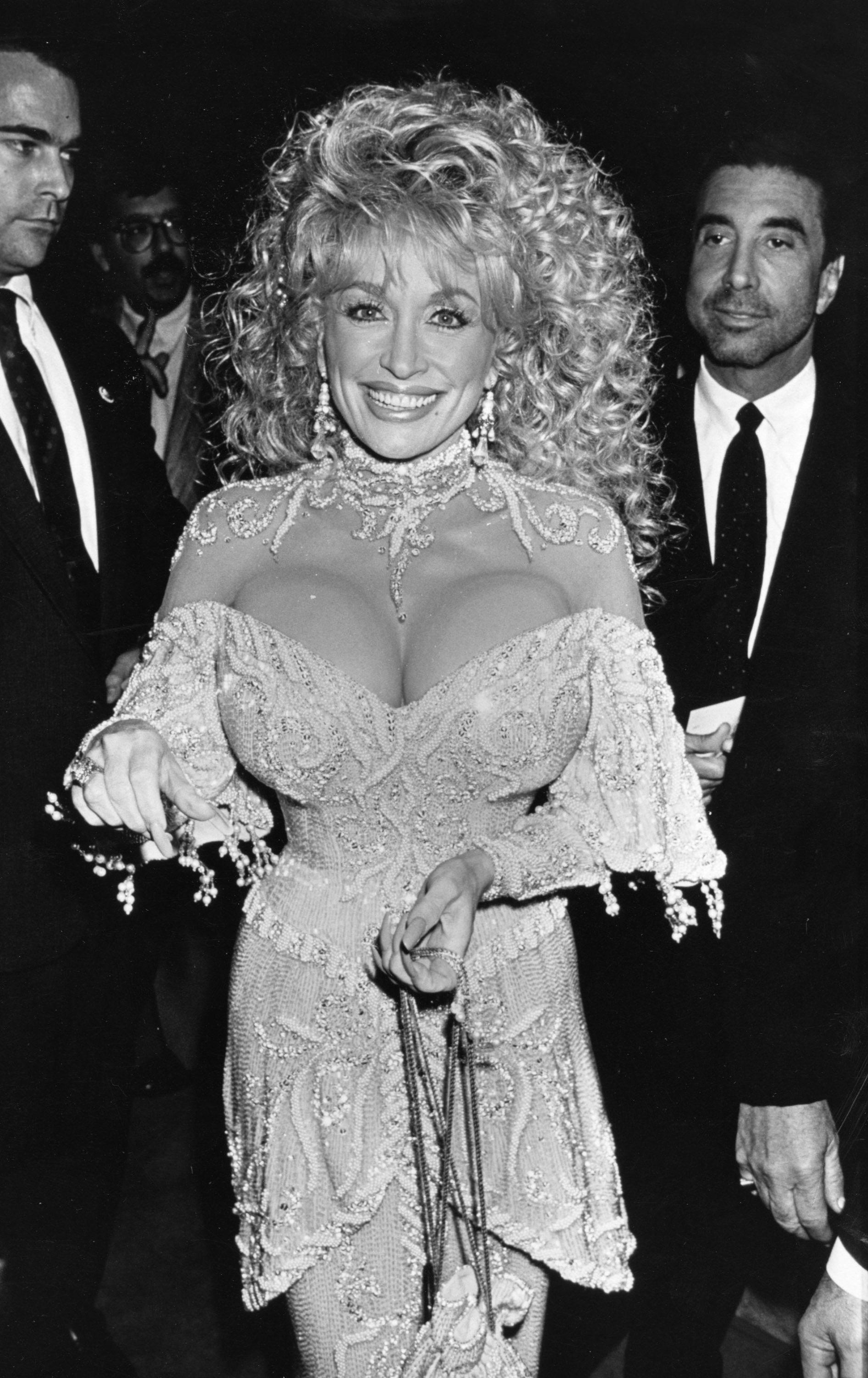 Does Dolly Parton Have Fake Boobs : dolly, parton, boobs, Dolly, Parton, Breasts:, Country, Singer, Loves, Talking, About, 'Girls', HuffPost