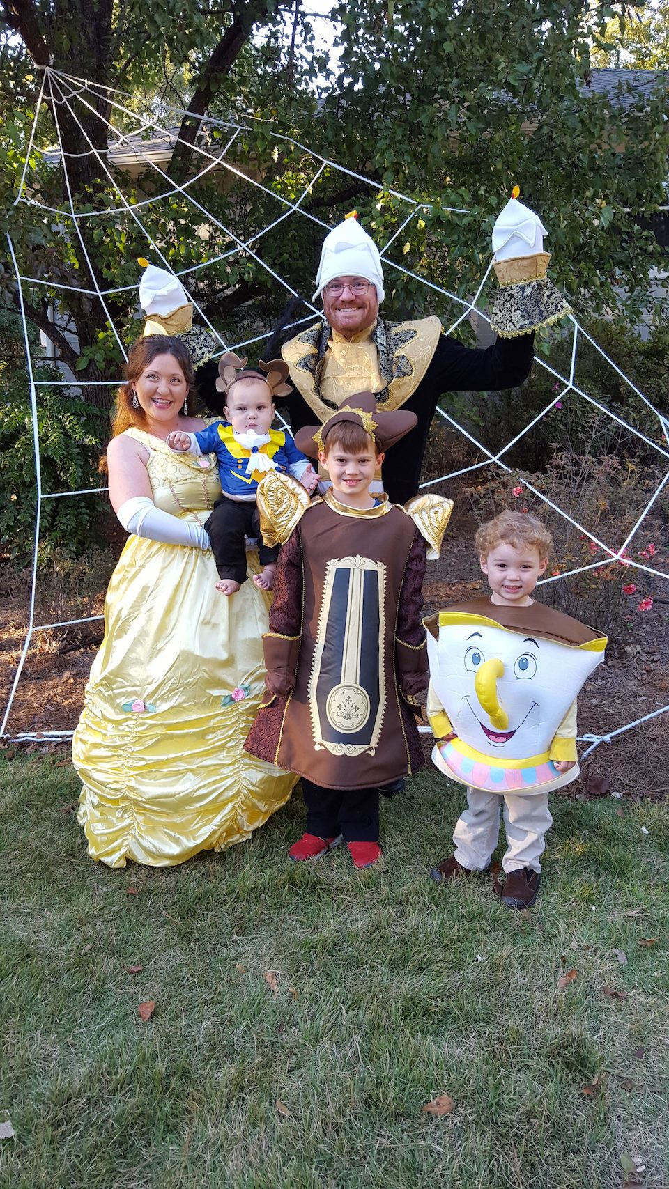 Are y'all ready to see some awesomely creative fixer upper and property brothers halloween costumes? 59 Family Halloween Costumes That Are Clever Cool And Extra Cute Huffpost Life