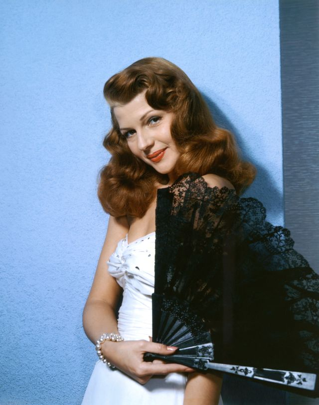eb6ac9fbbb0 Rita Hayworth s Timeless Old Hollywood Style As Seen In 29 Stunning ...