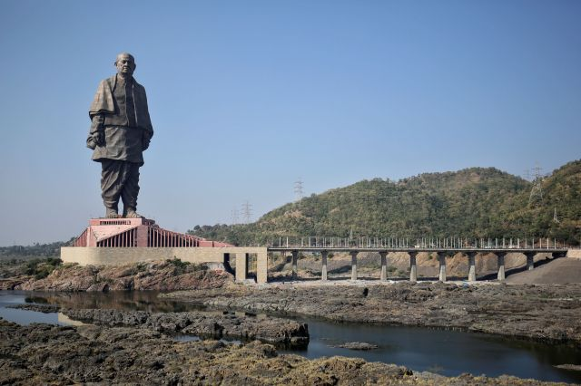 This 600-foot statue in India is officially the tallest statue in the world, dethroning a 420-foot statue of Buddha in China.