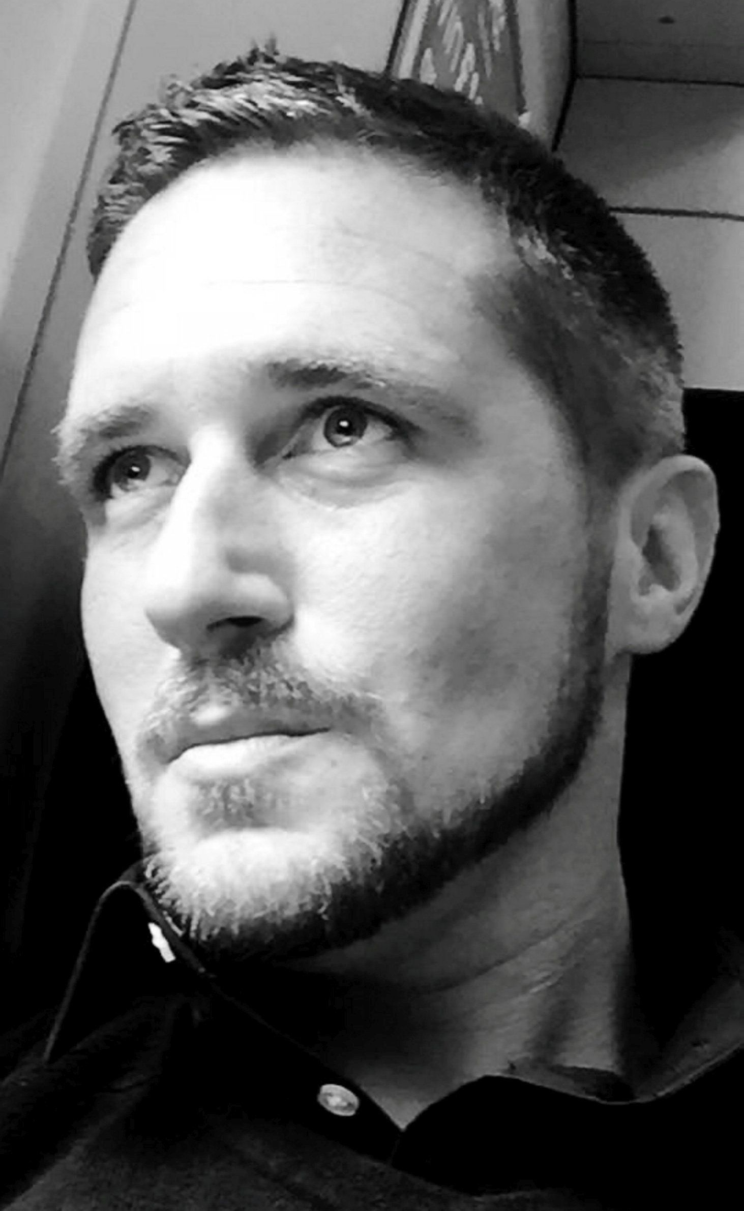 Maxwell Bates-Spiers, widely known as Max Spiers, died in Warsaw at the age of 39 after taking a combination of prescription drugs whilst suffering from pneumonia, an inquest has found