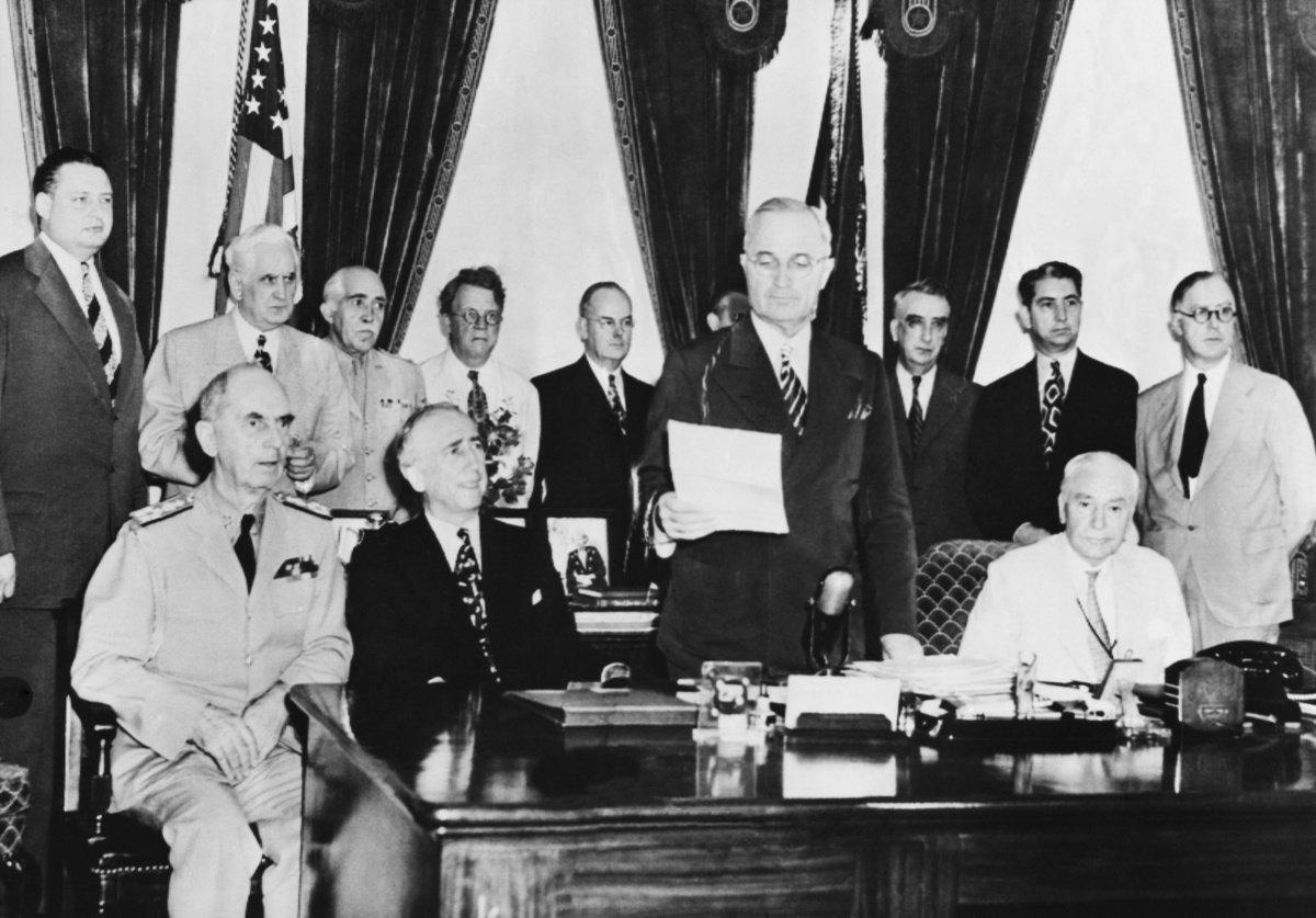 1945年8月15日,そのとき世界は モノクロ寫真で振り返る | ハフポスト