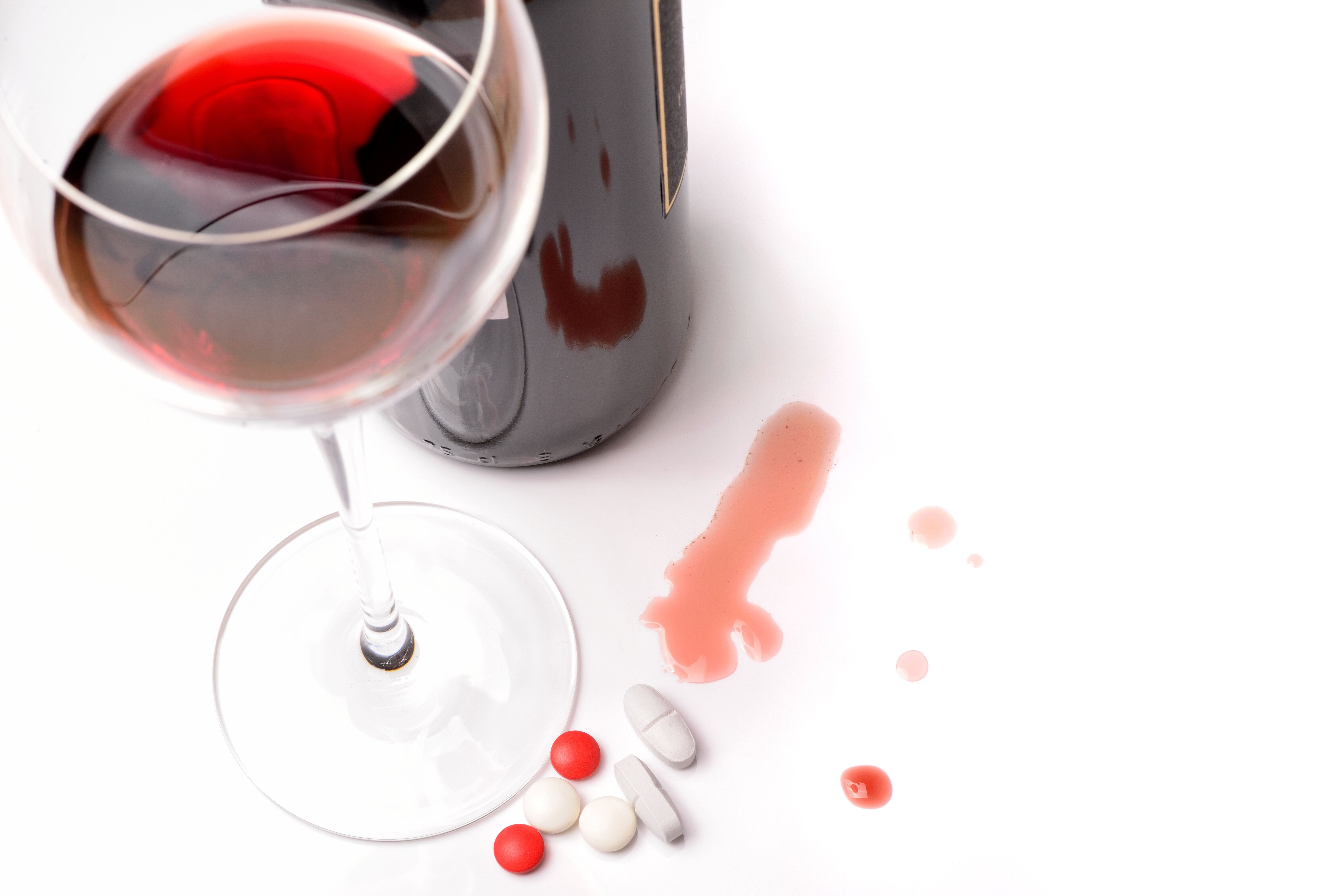 Can You Drink On Antibiotics? The Answer Is Probably Yes ...