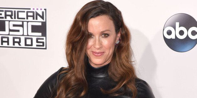 Alanis Morissette S Former Manager Admits To Stealing