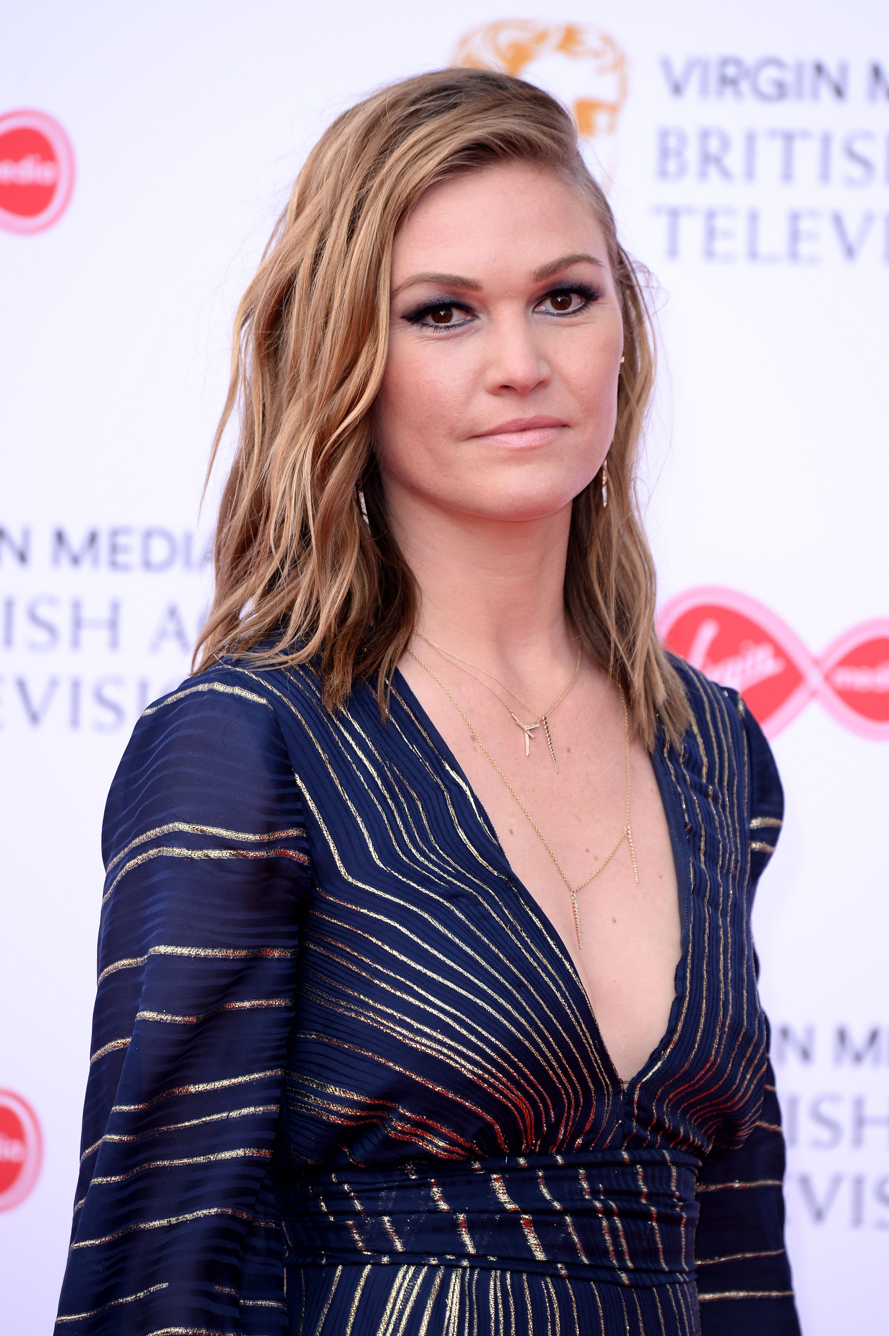 Julia Stiles Says She Has A Hard Time Watching '10 Things I Hate