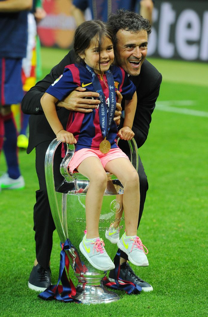 Luis Enrique and his daughter Xana celebrate the victory of Barcelona in the final of the Champions League ...