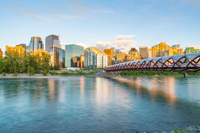 Consumer Confidence Index Shows Big Drop In Western Canada After Election | HuffPost Canada